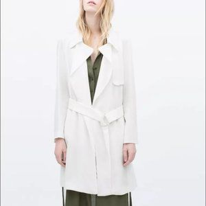 NWOT ZARA loose-fit trench coat, with belt, Size S